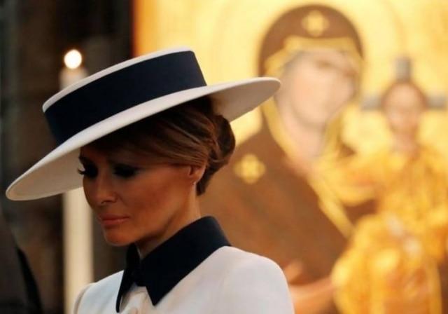 Primeira-dama dos EUA, Melania Trump, na abadia de Westminster em Londres.