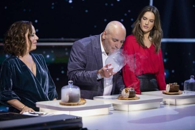 A cantora Bebel Gilberto, o crítico Josimar Melo e a modelo Alessandra Ambrósio no episódio sobre o Brasil