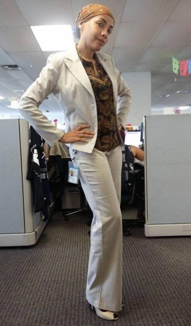 June se vestia assim antes do caso de assédio moral