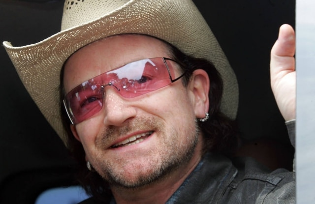 Na mesma entrevista, Bono revelou que teve uma experiência que colocou sua vida em risco, mas não quis entrar em detalhes
