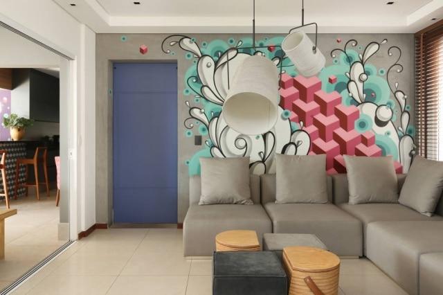 Mural executadocom tinta spray em sala projetada por Camila Gazola