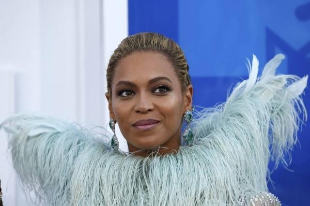 Beyoncé liga para fã com câncer terminal após campanha na internet.