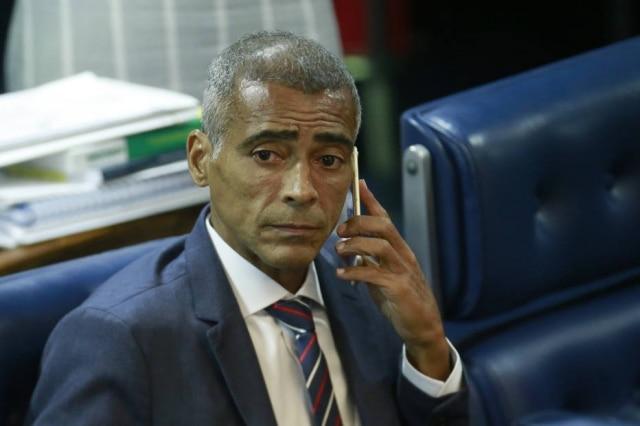 O senador Romário Faria