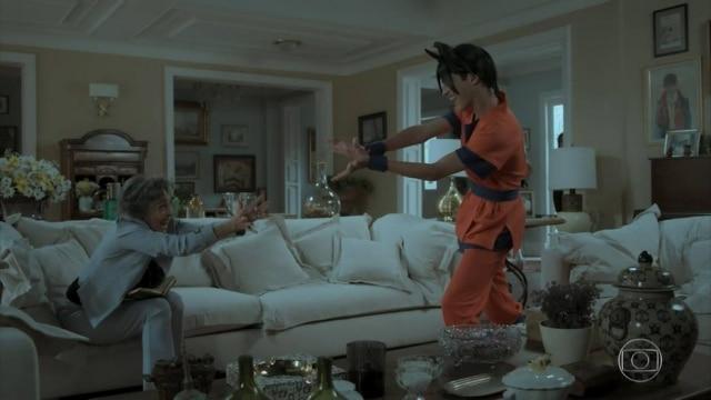 Elvira, interpretada por Betty Faria, imitou golpe do personagem de 'Dragonball Z' em 'A Força do Querer'.