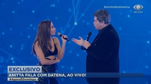 A cantora Anitta foi surpreendido após pediro de Datena para cantar sua nova música durante participação no programa 'Agora é Domingo'