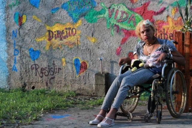 Brasil é o país que mais mata transexuaisno mundo, com 868 pessoas assassinadas entre 2008 e 2016. No entanto, isso não impediuAnita de encarar as estatísticas e se empoderar enquanto mulher.