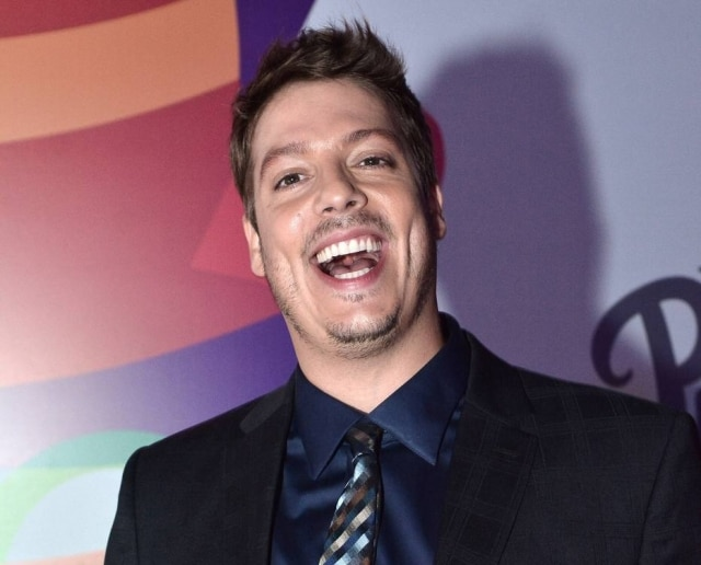 O humorista Fábio Porchat faz parte do grupo de humoristas que fará uma live de stand-up comedy