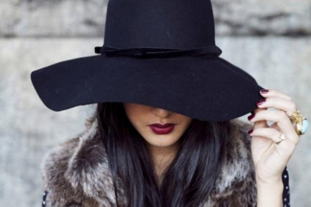 Chapéu de feltro é peça chave no inverno - Emais - Estadão ac509f21e55