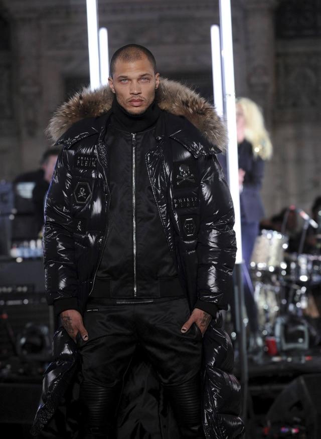 Ele estreou na Semana de Moda de Nova York na segunda, 13