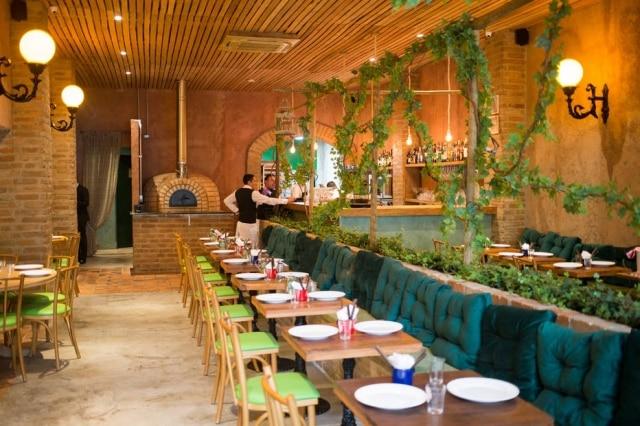 Ambiente da Forno da Pino, nova pizzaria no Itaim Bibi