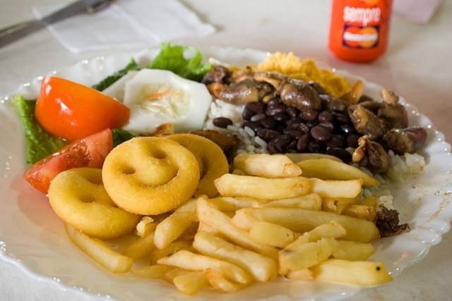 O tempo em que o alimento é ingerido tem influência sobre o relógio interno do corpo, acreditam os pesquisadores