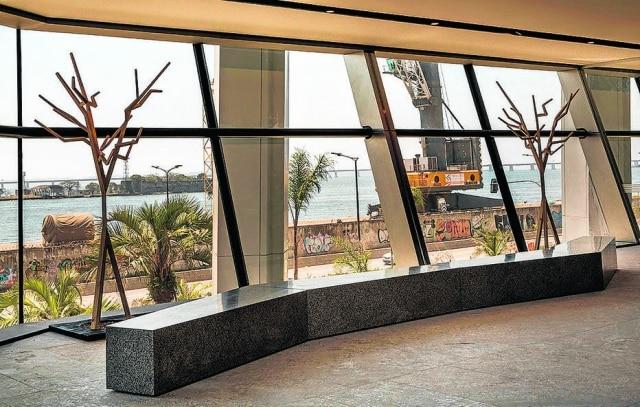 Espaços com o Atrium, com banco de Ivan Rezende, foram destaque na mostra por apresentar soluções diferentes que chamar a atenção do público