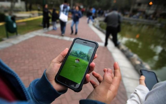 Uma pesquisa feita nos EUA estimou em bilhões de reaisos danos em acidentes automobilísticos causados por 'Pokémon Go'