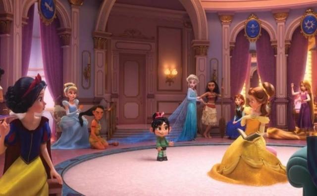 Princesas reunidas em cena de 'WiFi Ralph'