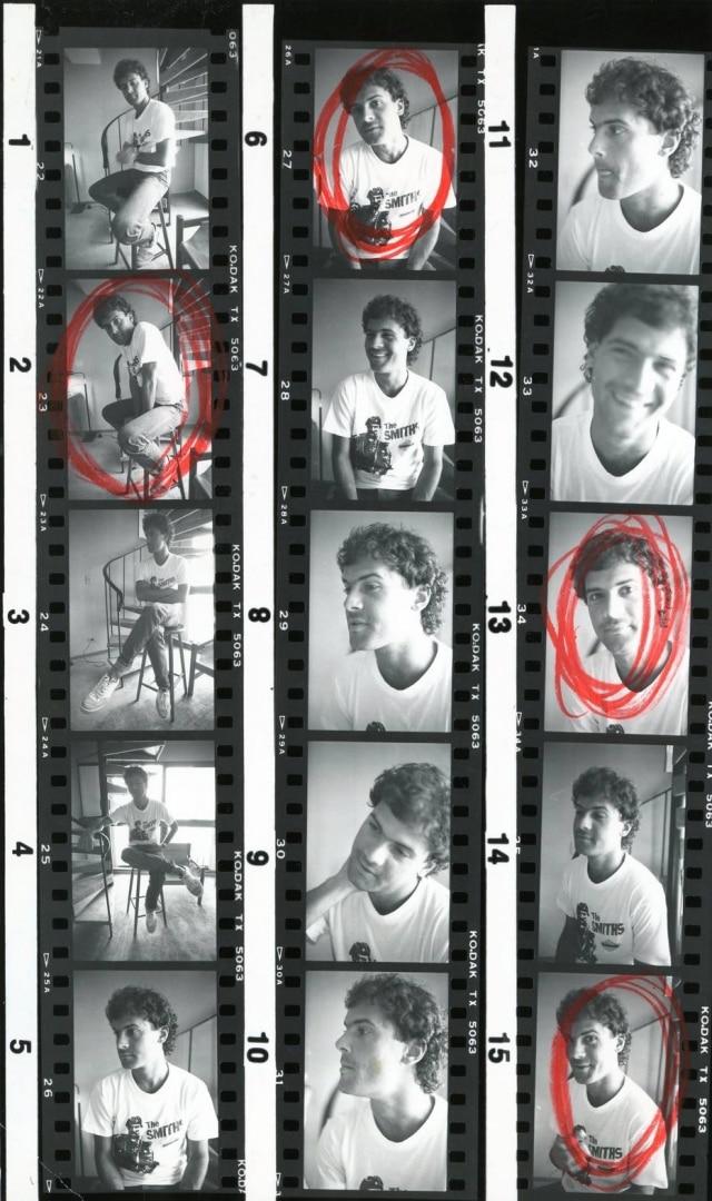Aqui estão todas as fotos da entrevista que Cazuza deu em novembro de 1985. As selecionadas em vermelho são as que o editor pediu ampliação para utilizar no jornal.