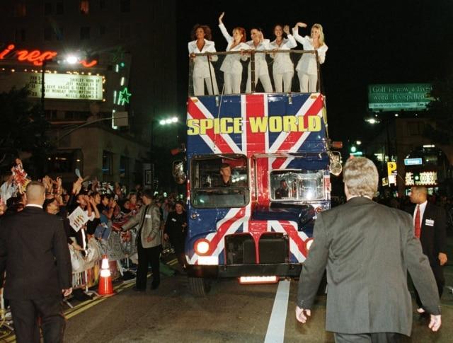 Ônibus das Spice Girls ficou famoso após o filme 'Spice World', de 1997.