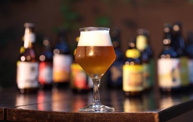 Antes de escolher a cerveja para dar de presente, entenda o paladar da sua mãe.