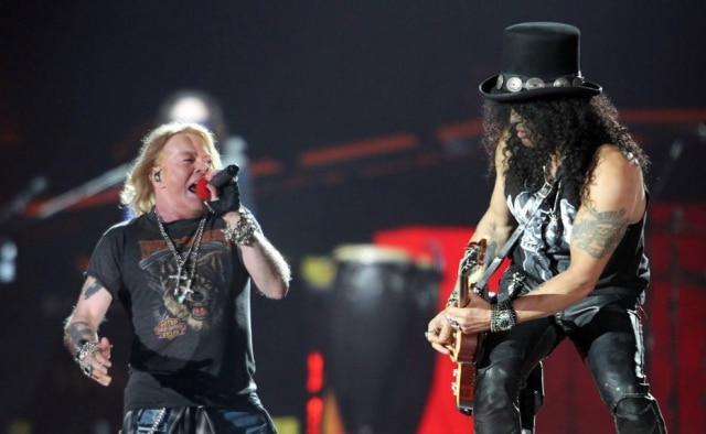 Slash e Axl Rose, integrantes do Guns N' Roses.