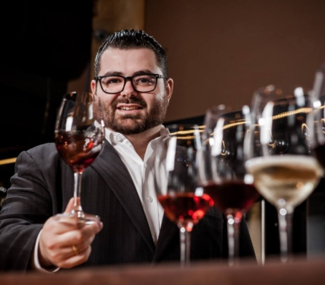 Gabriel Raele, sommelier do Fleming's