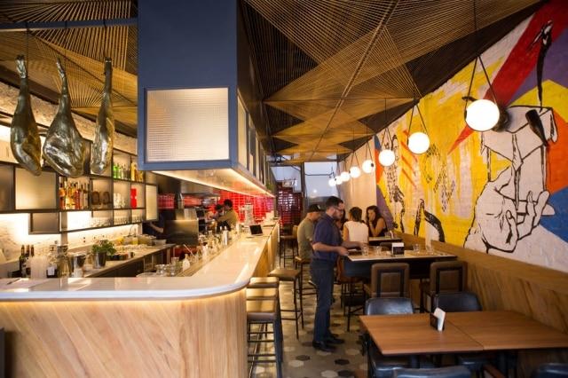 Salão do Nit, bar de tapas vizinho ao restaurante Tanit.
