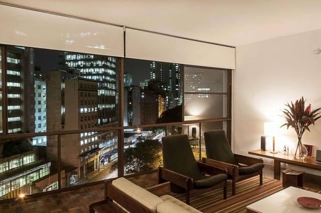 Apartamento com projeto dos arquitetos Luciano Margotto e Cristina Tostano Edifício Eiffel, de Oscar Niemeyer, na Praça da República