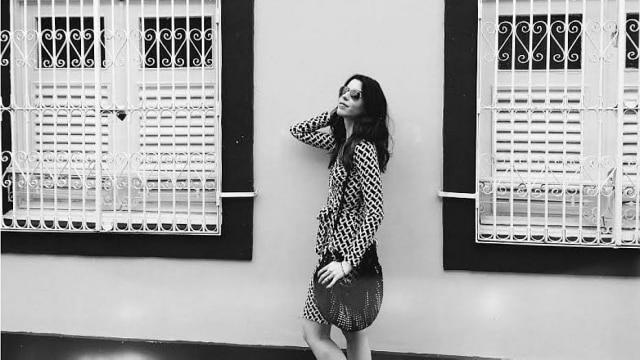 Camila Coutinho durante projeto Journey of a Dress, de Diane von Furstenberg