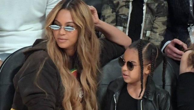 Cantora Beyoncé e sua filha, Blue Ivy