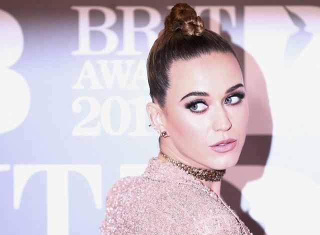 Katy Perry surpreendeu fãs com sua nova música.