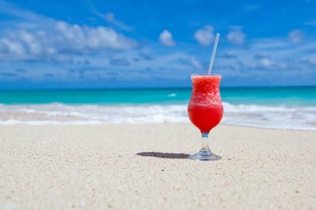 Água no ouvido e consumo de produtos gelados aumentam chances de problemas no verão.