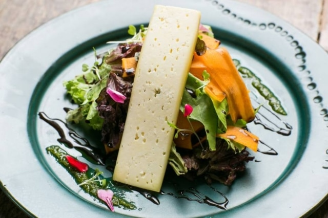 Salada feita pela chef Ana Luiza Trajano