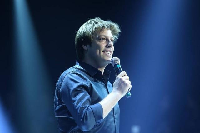 Fábio Porchat diz que vê com positividade a concorrência entre talk shows no Brasil. 'Quanto mais, melhor', disse.