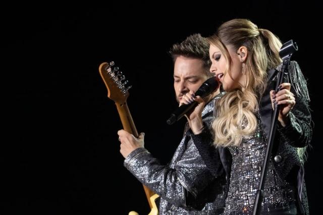 Sandy e Junior na turnê 'Nossa História'.