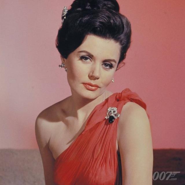 Eunice Gayson interpretou a personagem Sylvia Trench nos dois primeiros filmes da franquia '007'.