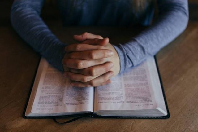 Ter uma religião pode dar alguns anos a mais de vida, segundo estudo.