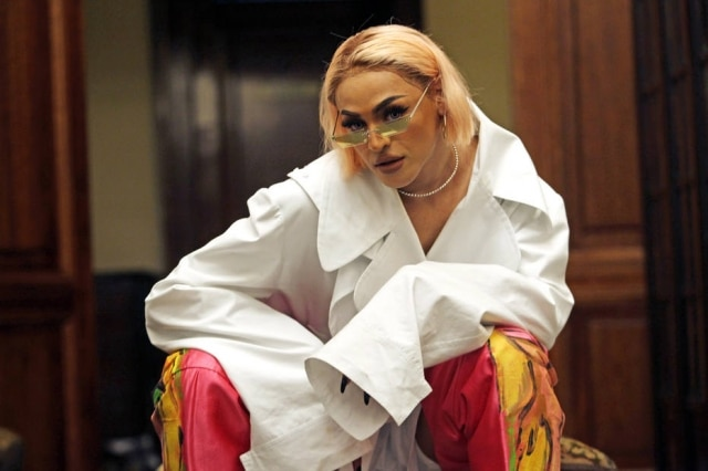 A drag cantora Pabllo Vittar, estrela de uma matéria e de um tutorial de  make de3e38e7ed