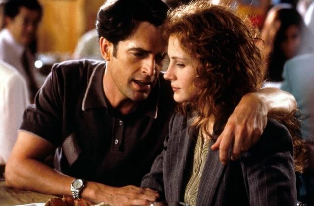 Nessa divertida comédia romântica,dirigida porP.H. Hogan, Julia vive uma garota que é convidada para ser madrinha de casamento de seu ex e vai precisar do apoio de outro amigo, vivido porRupert Everett.