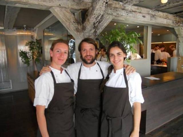 Renata (à dir.) com o chef René Redzepi (do Noma) e sua prima Aline