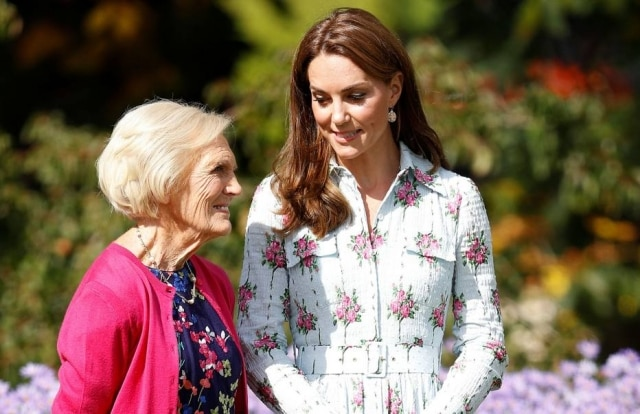 A chef de cozinha Mary Berry com a duquesa de Cambridge Kate Middleton.