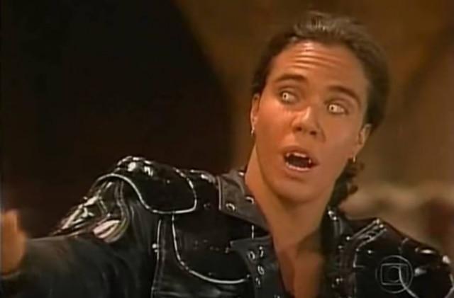 Flávio Silvino como Matosão em cena da novela 'Vamp'