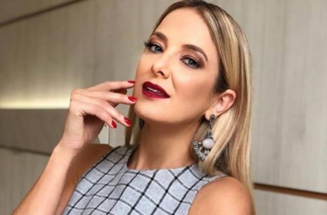 A apresentadoraTiciane Pinheiro