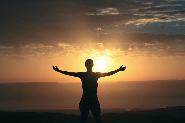 Atitudes, ligadas ou não à religião, moldam a forma como as pessoas encaram um problema de saúde.
