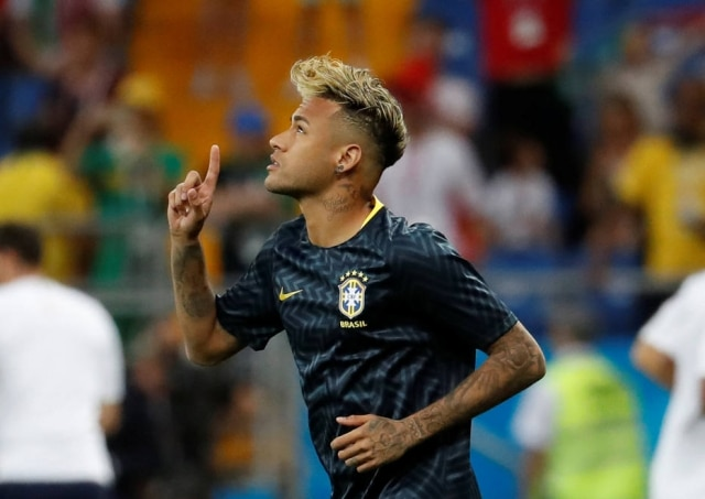 94bad055f2c Neymar leva dois cabeleireiros para a Copa do Mundo na Rússia ...