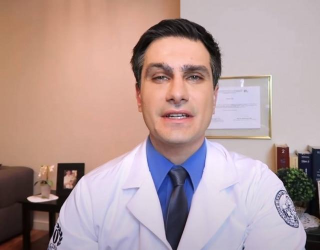 Em seu canal no YouTube, o psiquiatra Marco Abud fala sobre doenças mentais, e possui mais de 1 milhão de inscritos