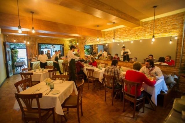 Salão do restaurante Più, em Pinheiros