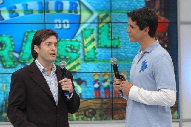 Marcio Garciae o autor de novelas Tiago Santiago, no palco do 'O Melhor do Brasil' em 2006.