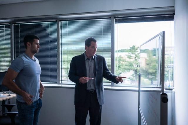 Dr. Gary Breslow, à direita, co-fundador do Zwivel, e Scott Kera, seu chefe operacional