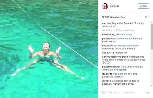 Narcisa gravou vídeo em praia de Angra dos Reis