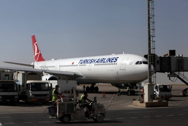 Um voo da Turkish Airlines que ia de Nairóbi até Istambul teve que fazer voo de emergência após um passageiro criar umarede wi-fi com o nome de 'bomba a bordo'