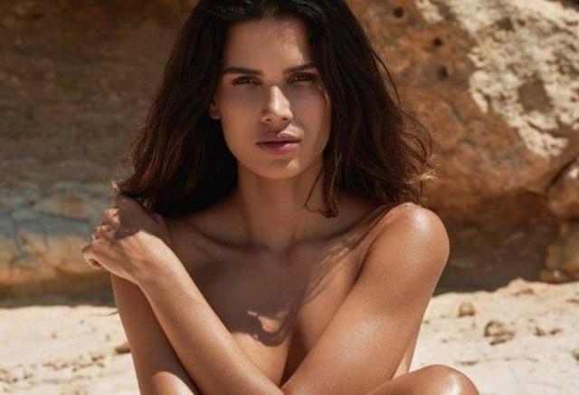 Raica Oliveira têm 33 anos e nasceu em Niterói