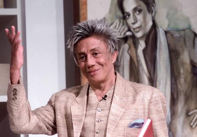 Clodovil Hernandes, o sempre polêmico apresentador, estilista e político.